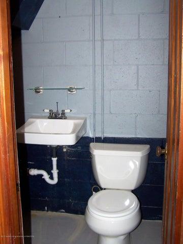 407 Kipling Blvd - bath half - 23