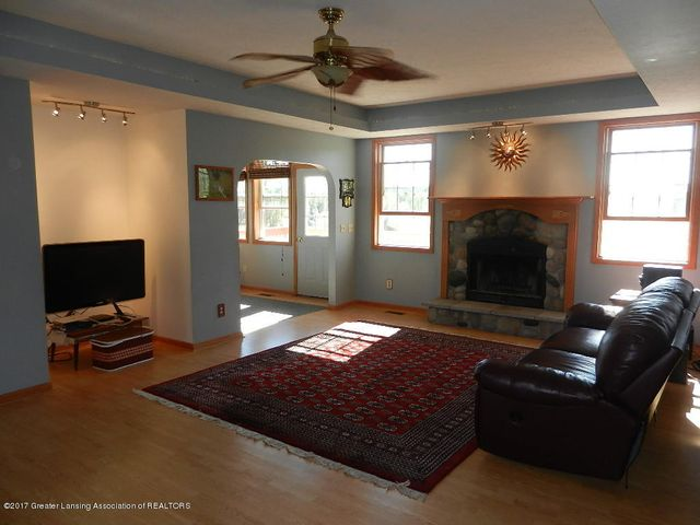 8800 W Parker Rd - great room - 8