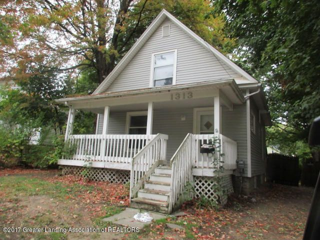 1313 Christopher St - front - 1