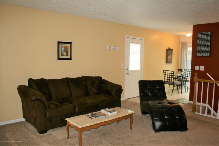 4112 Chickory Ln - Living room - 6