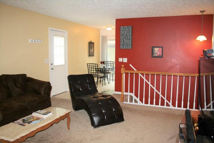 4112 Chickory Ln - Living room - 8
