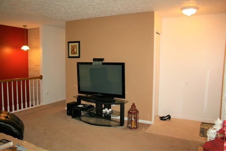 4112 Chickory Ln - Living room - 5