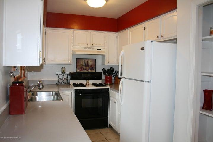 4112 Chickory Ln - Kitchen - 10