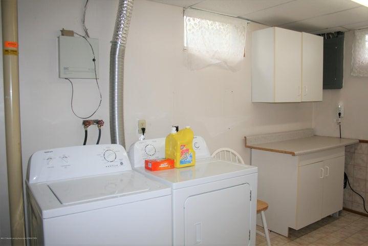 4112 Chickory Ln - Laundry area - 21