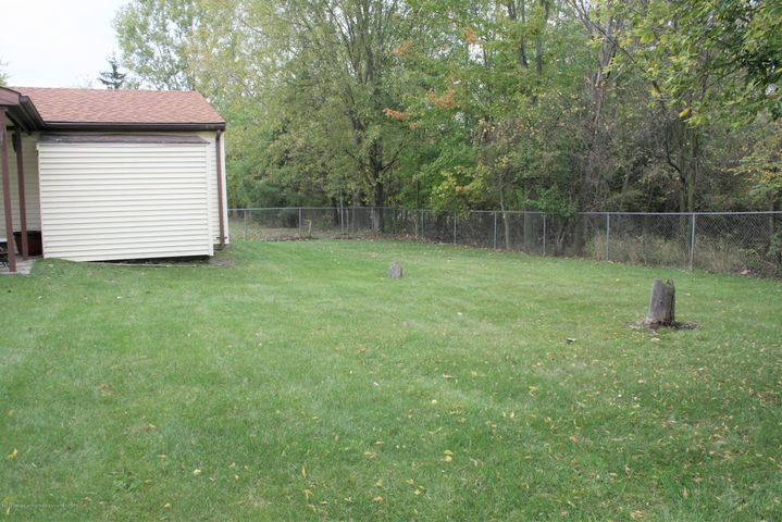 4112 Chickory Ln - Yard view - 25