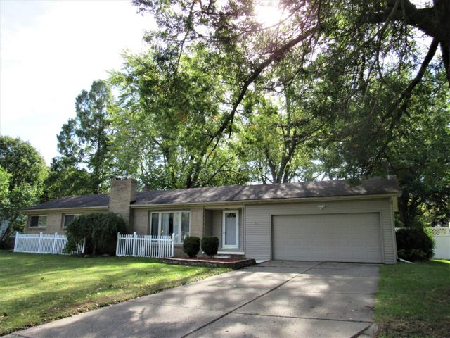 4555 Eastwood Dr - Exterior Front - 1