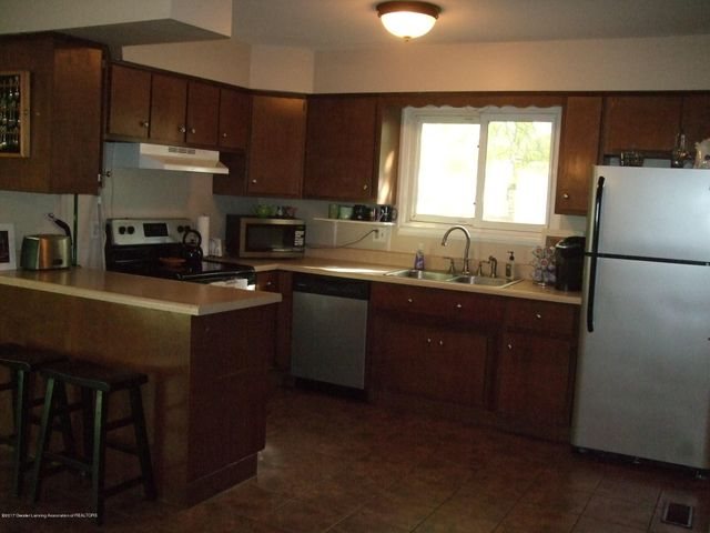 3950 Windward Dr - Kitchen - 4