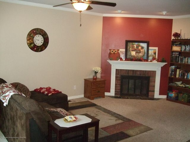 3950 Windward Dr - Family room - 6