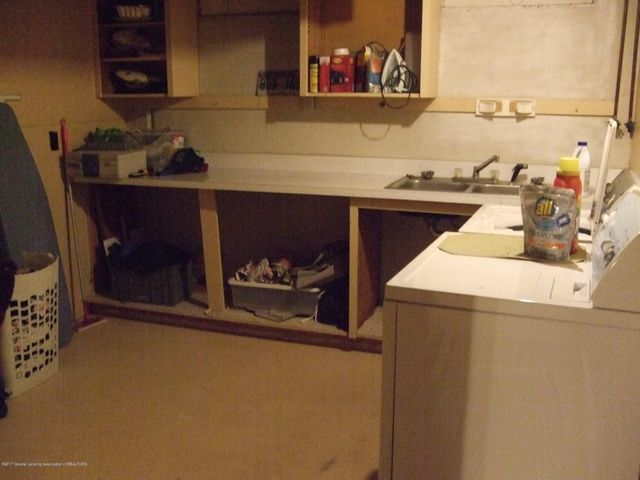 3950 Windward Dr - Laundry room - 17
