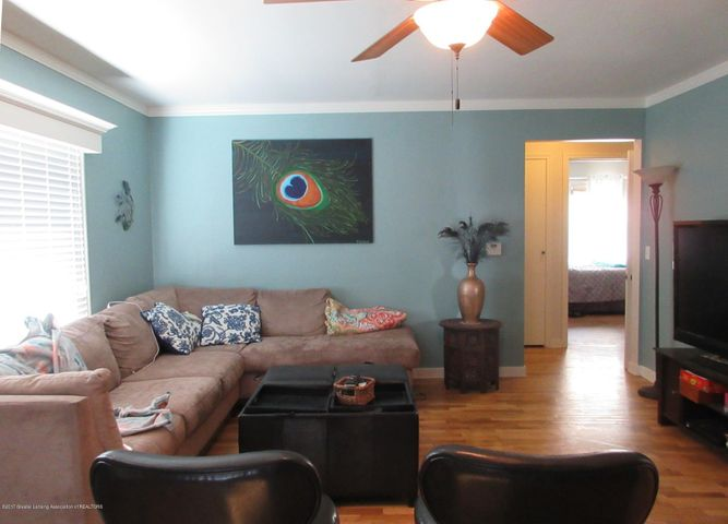 411 Lasalle Blvd - Living Room - 4