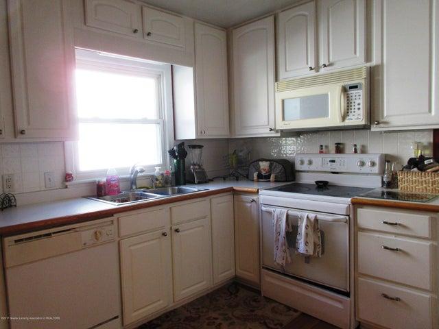 411 Lasalle Blvd - Bright Kitchen - 8