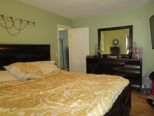 411 Lasalle Blvd - Wood Floors - 17
