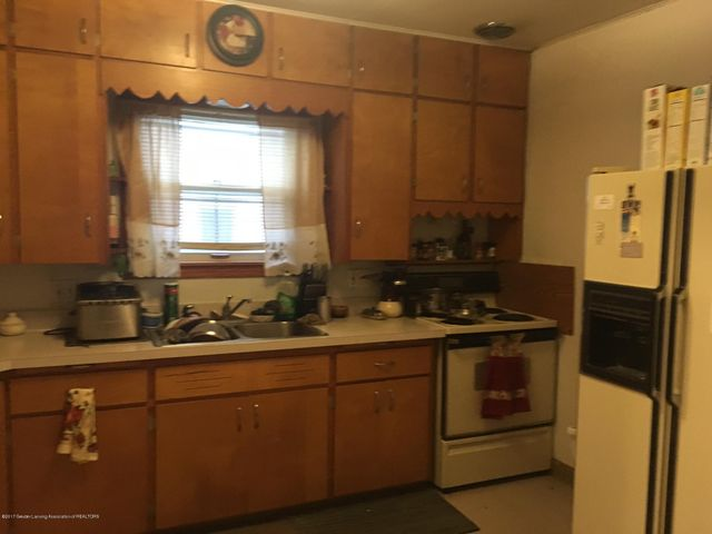 211 S Mead St - 211 lower kitchen - 14