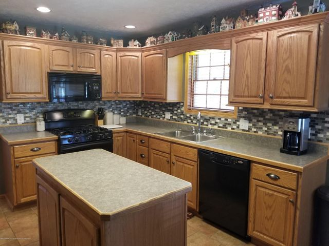 105 S Canfield Rd - Kitchen - 7