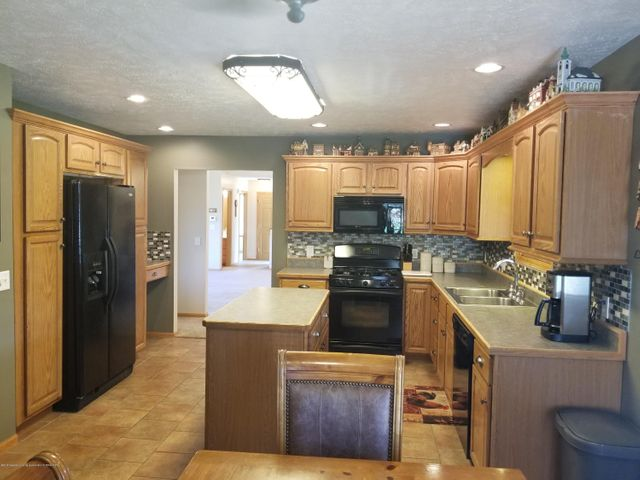 105 S Canfield Rd - Kitchen - 6