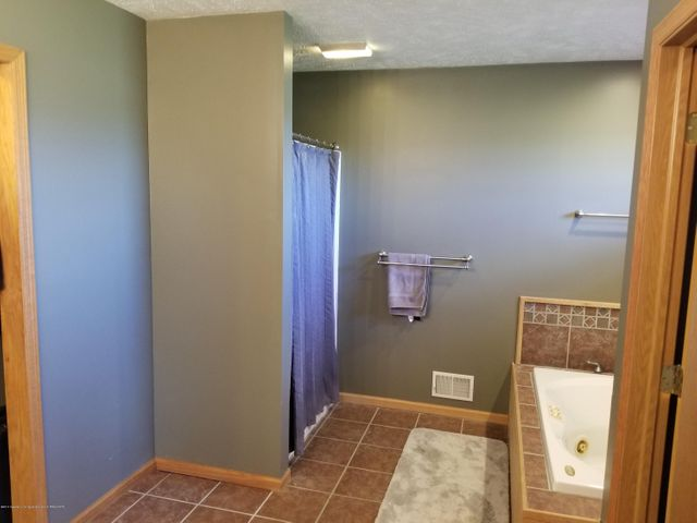 105 S Canfield Rd - Master Bath - 12
