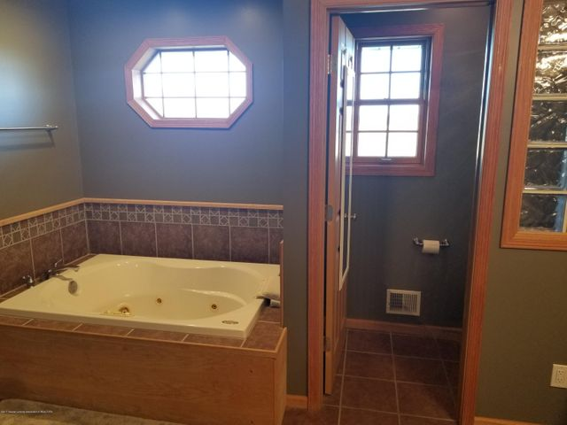 105 S Canfield Rd - Master Bath - 13