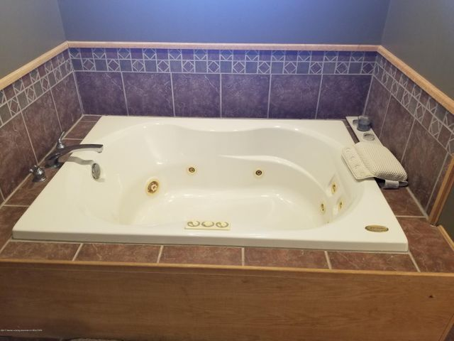 105 S Canfield Rd - Master Bath - 14