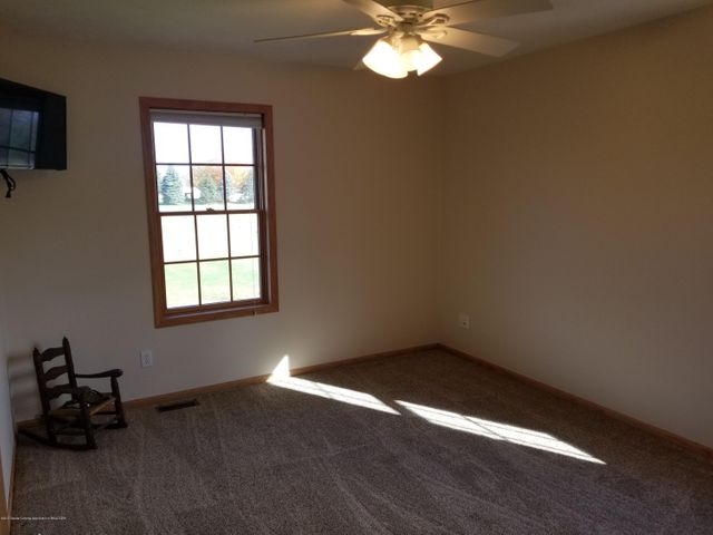 105 S Canfield Rd - 3rd Bedroom - 16