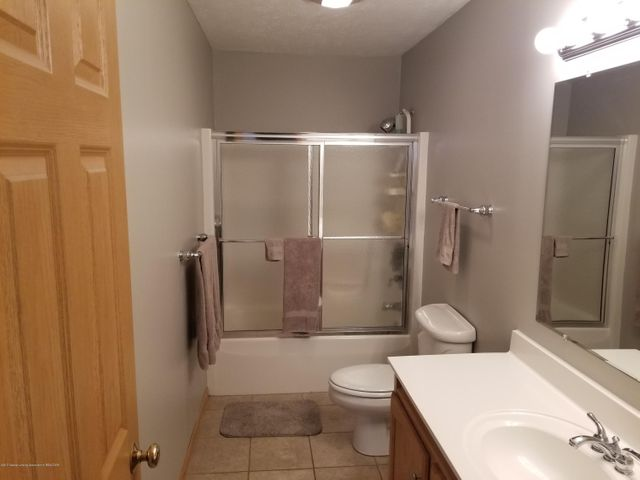 105 S Canfield Rd - Full Bath - 17