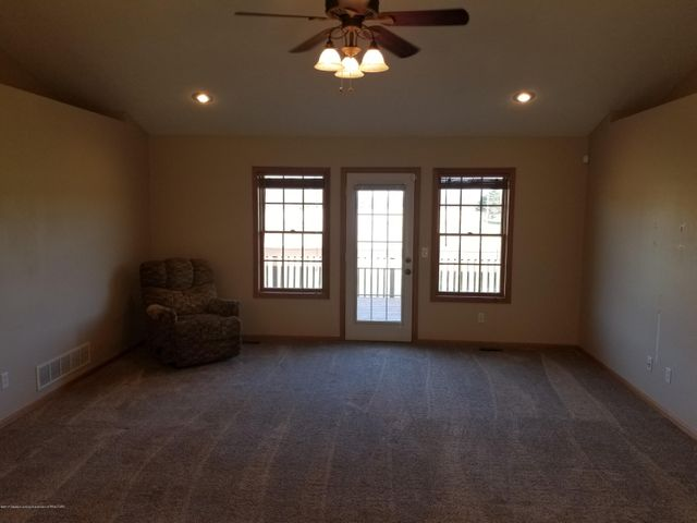 105 S Canfield Rd - Living Room - 4