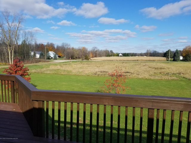 105 S Canfield Rd - Back Deck - 31