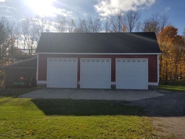 105 S Canfield Rd - Garage - 35