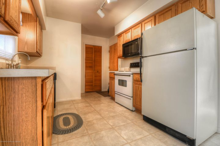 14771 Idylcrest Dr - Kitchen - 7