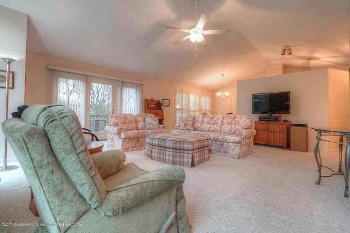5676 Bayonne Ave - Bayonne - living room - 4