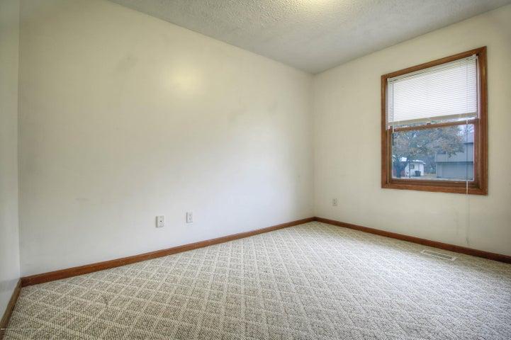 2711 Frank St - Bedroom - 6
