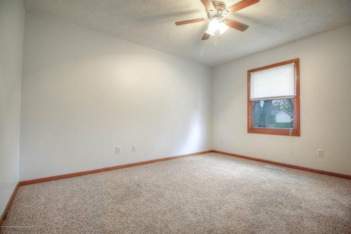 2711 Frank St - bedroom - 9