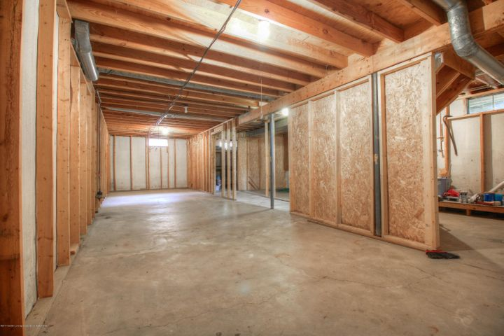 2711 Frank St - basement/ storage - 10