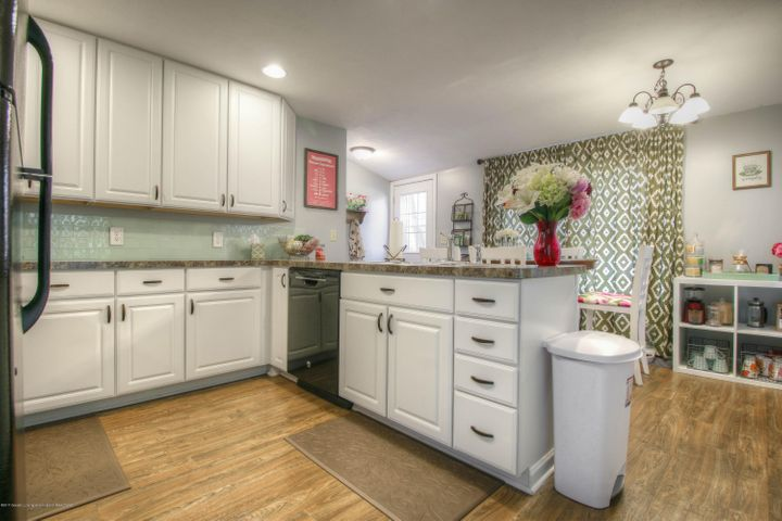428 Johnson St - Kitchen - 4