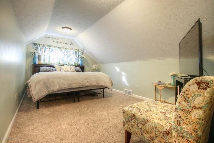 428 Johnson St - Bedroom - 9