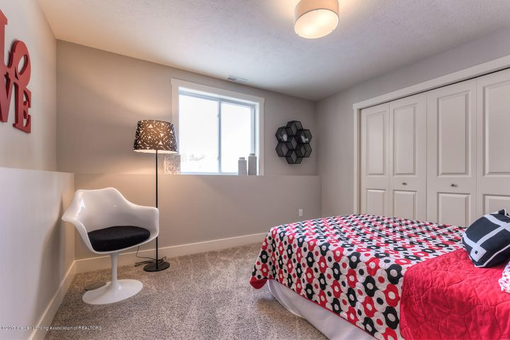 952 Pennine Ridge Way - Bed CHA120-E2200-20 - 13