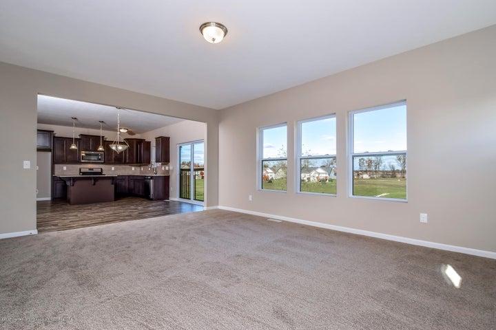 956 Pennine Ridge Way - Living Room MDE018-E2390-1 - 10