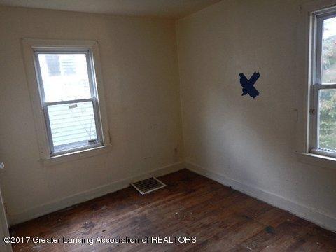 1331 Glenrose Ave - BEDROOM 2 - 10