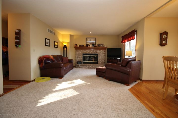 2339 Anchor Ct - 8.  Family Room - 8
