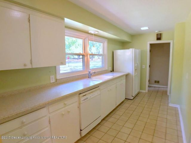 805 Cowley Ave - Kitchen - 10