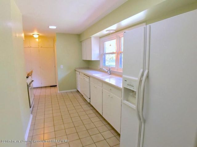 805 Cowley Ave - Kitchen - 11