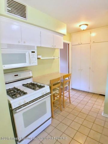 805 Cowley Ave - Kitchen - 12