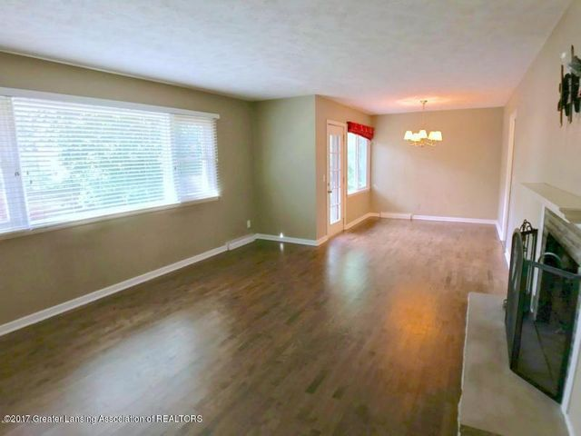 805 Cowley Ave - Living Room - 5