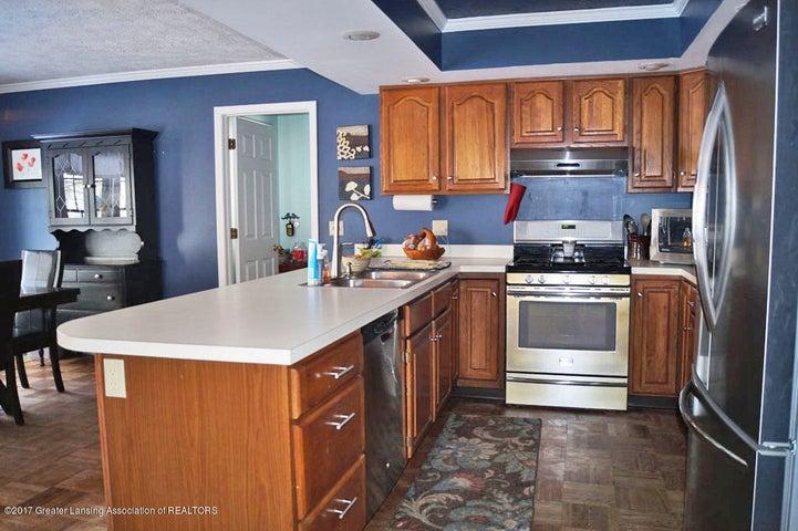 5970 Caleta Dr - Kitchen - 9
