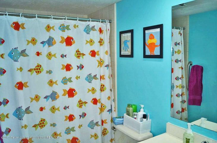 5970 Caleta Dr - Main Bath - 21
