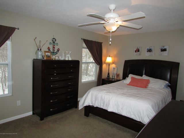 122 Lake Ridge Dr - Master Bedroom - 11