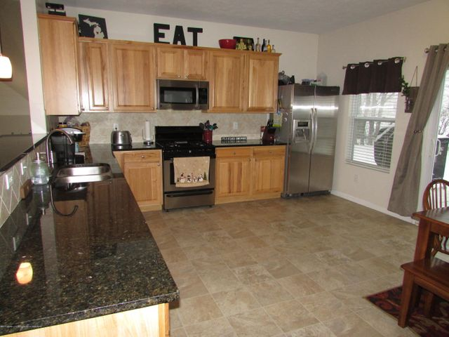 122 Lake Ridge Dr - Kitchen - 7