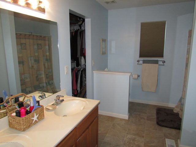122 Lake Ridge Dr - Master Bath - 14