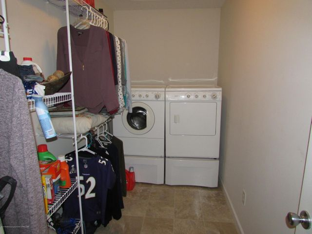 122 Lake Ridge Dr - Laundry Room - 19