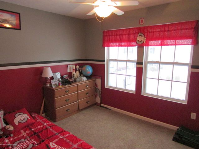 122 Lake Ridge Dr - Bedroom 1 - 15