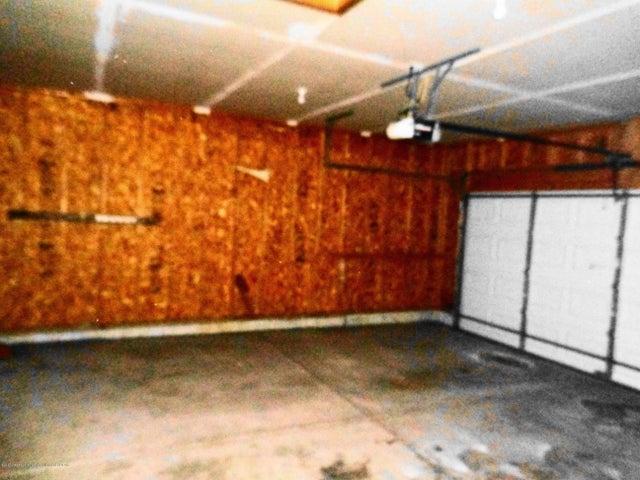 13813 G K Dr - GK garage - 17